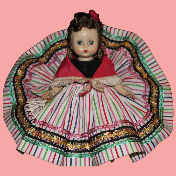 Madame Alexander Tagged fuschia Straw hat with Flowers  for 8-10/'/' Dolls,