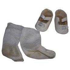 Large Vintage Center snap shoes & Socks Shirley Temple