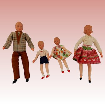 German Caco Doll House Family