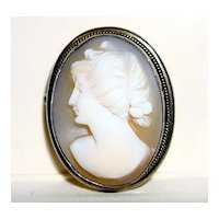 Vintage Small Brooch/Pendant Cameo