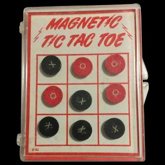 Vintage Pocket Size Portable Magnetic Tic Tac Toe Game