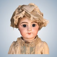 Antique Gorgeous Doll Hard to Find Mold 749 by Simon and Halbig