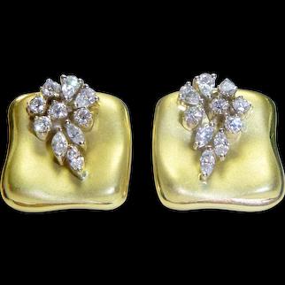 Vintage Ladies 18K Yellow Gold Diamond Earrings