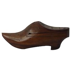 Early Carved Wooden Shoe Snuff