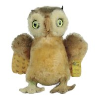 "Steiff ""Wittie"" Owl With Button"