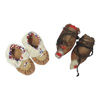 Two Pair Of Doll Shoes Moccasins 1 Eskimo & 1 Native American