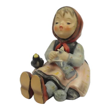 "Vintage Hummel Sitting Girl With Song Bird ""Happy Pastime"" #69 TM3"