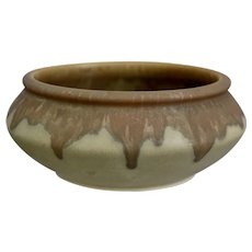 "Roseville Pottery Carnelian I Bowl #152-5"", Tan/Light Green, Circa 1926"