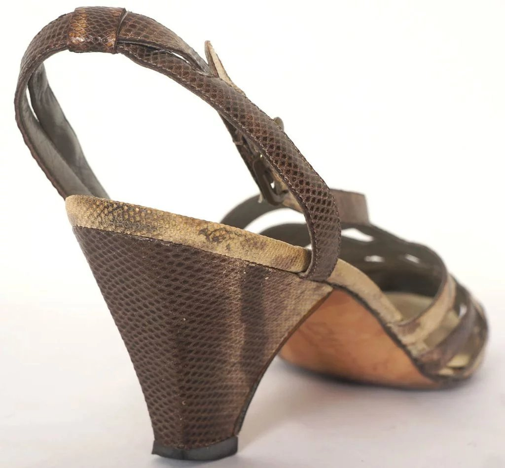 37fbcf3fa5198 Vintage 1980s Joan & David Couture Shoes Sandals Hand Made in Italy Size 7  with Box