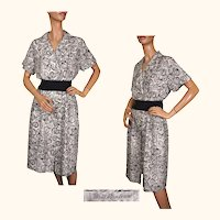 Vintage 1970s Silk Dress Black & White Abstract Print Size 8 M