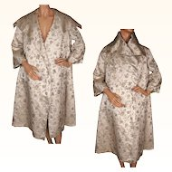 Vintage 60s Metallic Gold Woven Silk Brocade Evening Coat by Dynasty Hong Kong Size S