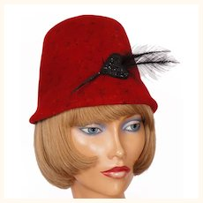 Vintage 1950s Red Bucket Hat with Black Celluloid Heart & Feather Ladies Size M
