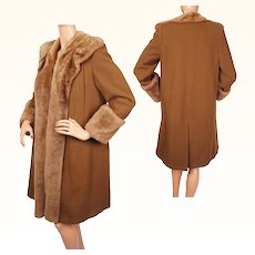 Vintage 1940s Swing Era Coat Brown Wool with Shearling Trim Ladies Size M
