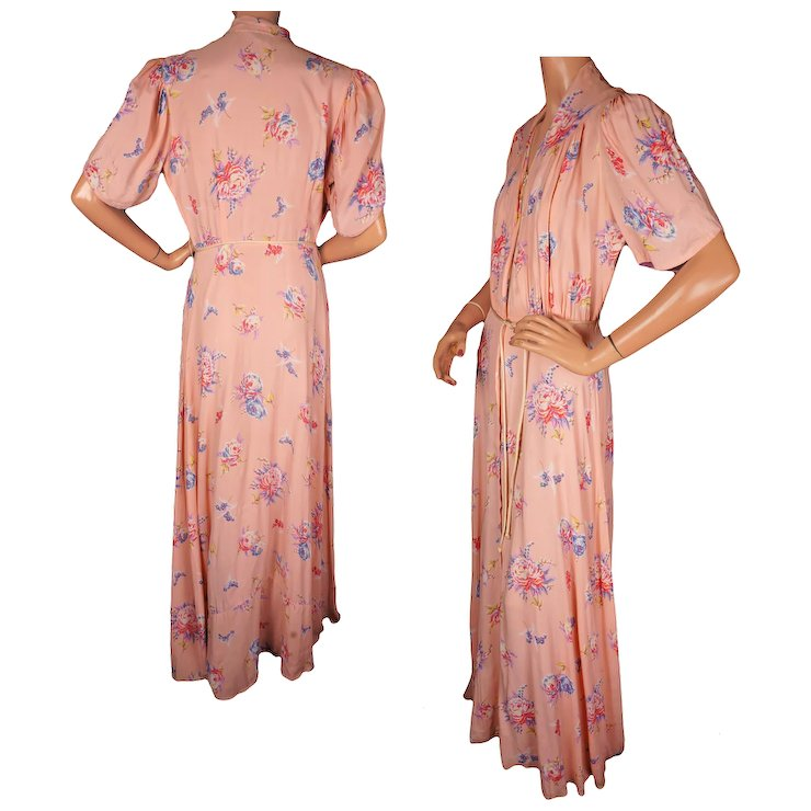 Vintage 1940s Floral Print Pink Dressing Gown by Brendelle Ladies ...