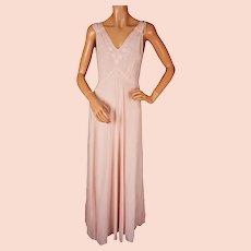 6b6eba14000 Vintage 1940s Silk Nightgown Pink Nightie w Embroidered Applique Flowers  Size M   L