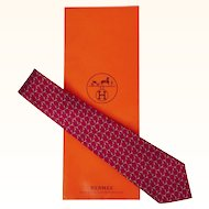 Vintage Hermes Tie Silk Twill 7124 FA Magenta Red Mens Necktie Made in France