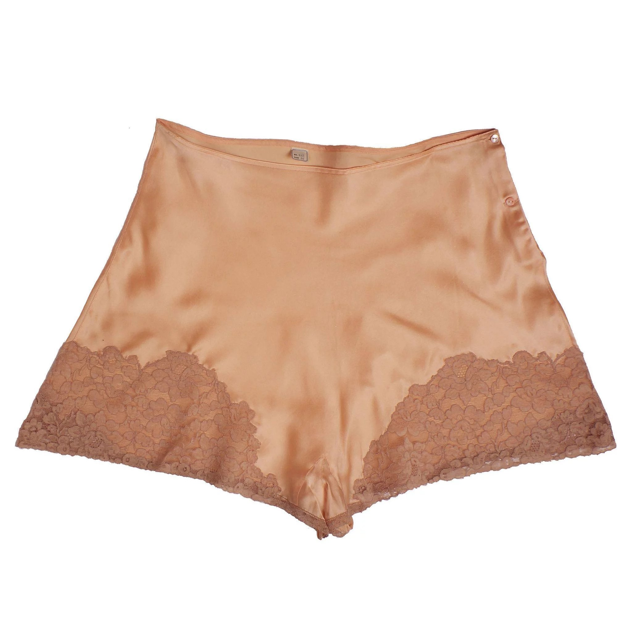 56d9a55fc Vintage 1930s Peach Silk and Lace Tap Pants - Step-In Panties - Unused    Poppy s Vintage Clothing