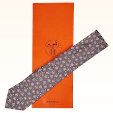 Vintage Hermes Tie Silk Twill 7836 UA Daisy Flower Pattern Mens Necktie Made in France
