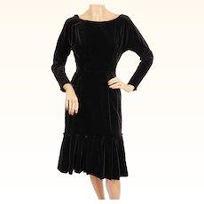 Vintage 1950s Black Velvet Wiggle Dress - Small