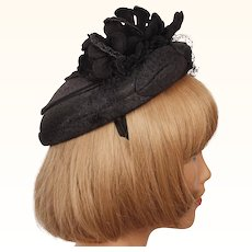Vintage 1950s Cocktail Hat Black Silk w Felt Flowers