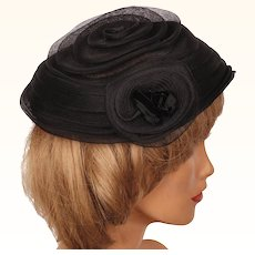 Vintage Evelyn Varon Model 1950s Cocktail Hat Black Concentric Swirl Horsehair