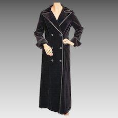 Vintage 1970s Black Velvet Maxi Coat Holt Renfrew 1300 Collection Ladies Size S M