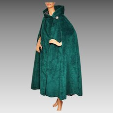 Vintage 1960s Green Velvet Cape with Hood Lou Ritchie for Rain Master Canada Size M / L