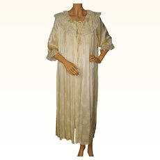 RESERVED Vintage 1950s Yellow Silk Satin Dressing Gown with Lace - Ladies -M
