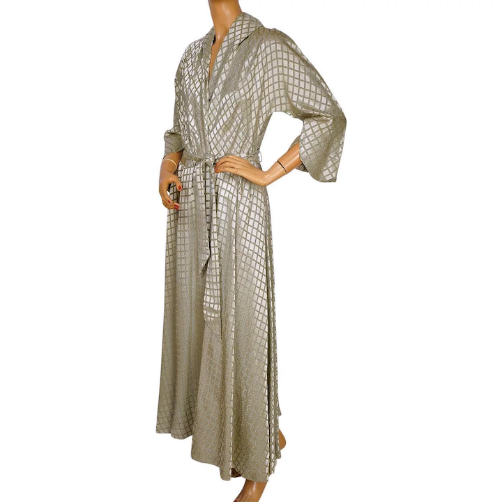 3ba5bf196924b Vintage 1940s 50s Dressing Gown Designed by Mitzi for Diamond Tea   Poppy s  Vintage Clothing