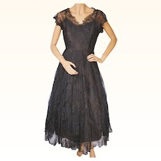 Vintage 1950s Black Chantilly Lace Dress Size Medium