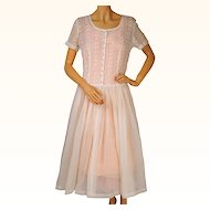 Vintage 1950s White Organdy Dress w Embroidered Eyeleting Size Medium