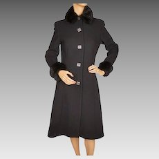 Vintage 1960s Black Wool Crepe Coat w Faux Fur Trim Ladies Size Medium
