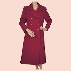 Vintage 1970s Fuchsia Wool Coat Made in Canada Ladies Size S M
