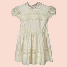 Vintage 1950s Little Girls Dress - Childs Dress - Swiss Embroidered Cotton - Doll Dress