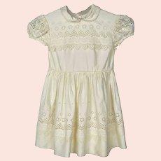 Vintage 1950s Little Girls Dress - Childs Dress - Swiss Embroidered Cotton - Doll Dress