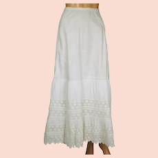 """Antique Victorian Lace Flounce Petticoat 19th c White Cotton Size M 29"""" Waist"""