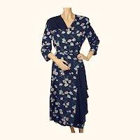Vintage 1940s Floral Print Rayon Dress - L