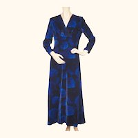 Vintage 1970s Blue Velvet Dress by Norbert Carlin Vienna Montreal Size M
