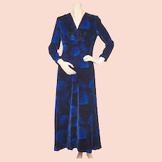 Vintage 1970s Blue Velvet Dress by Norbert Carlin Vienna Montreal Size M