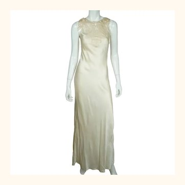 Vintage 1930s Cream Silk Nightie with Chinese Lantern Embroidery Slinky Size S M