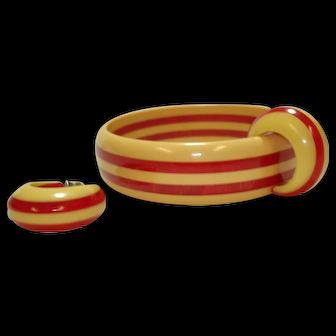 Vintage Marbled Cherry Red & Cream Laminated Bakelite Bangle Bracelet & Earrings