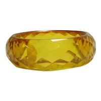 Brilliant Facet Carved Transparent Apple Juice Bakelite Bangle Bracelet