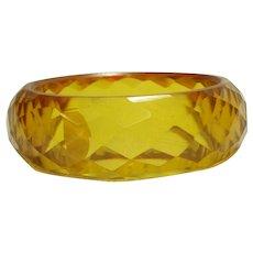 Brilliant Facet Carved Transparent Apple Juice Bakelite Bangle Bracelet