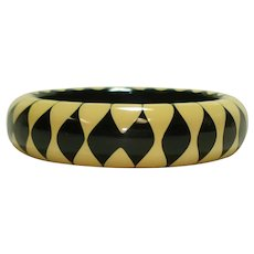 Jet Black & Cream Bakelite BOWTIE Bangle Bracelet