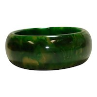 Chunky Gaudy Marbled Green Yellow Bakelite Bangle Bracelet