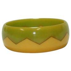 Laminated Sawtooth Marbled Lime Green Butterscotch Bakelite Bangle Bracelet