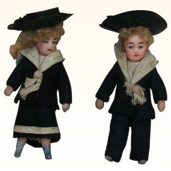 Matching dollhouse children in original condition; sailor outfits, mohair wigs