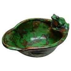 Weller Coppertone Frog on Bowl, Embossed Fish