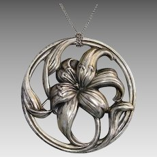 """Gorgeous Large 2.15"""" Lily Floral Sterling Silver Signed Vintage Brooch / Pendant"""