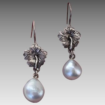 Gorgeous Hibiscus Blossom & Blue Akoya Cultured Pearls & Sterling Vintage Earrings !